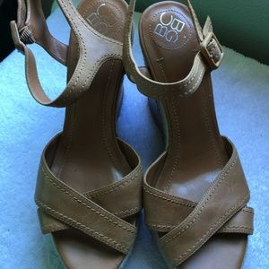 BCBG Tan Wedges Sz 9